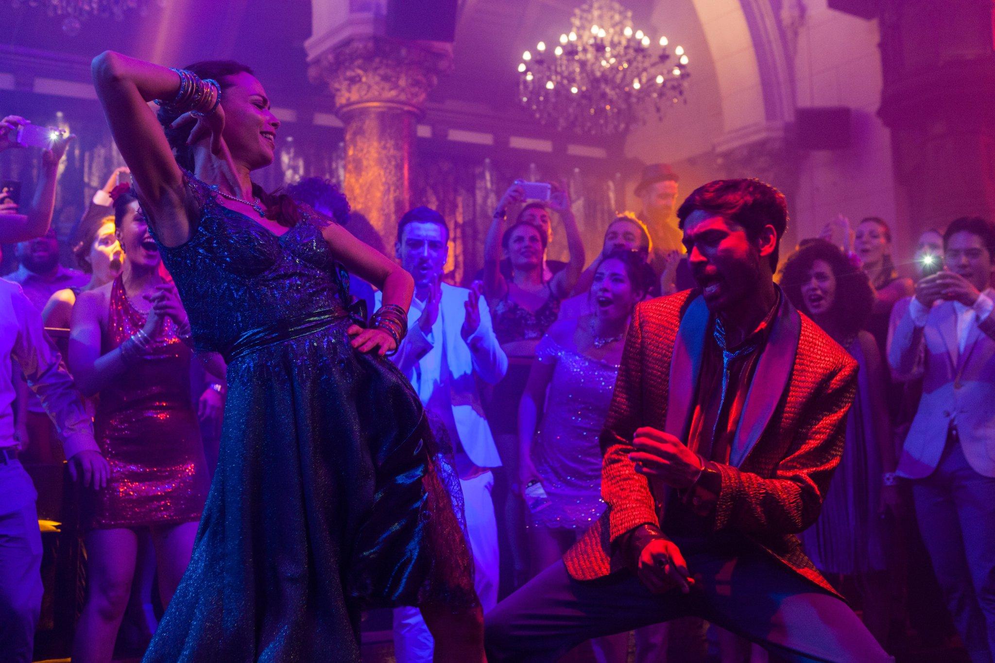 Pakkiri Movie Review: Dhanush as Fakir Delivers a Light Hearted Adventurous Entertainment