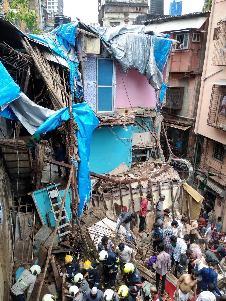 Mumbai Building Collapse Dongri Chaos, Confusion and Crowd Affects Rescue Mission