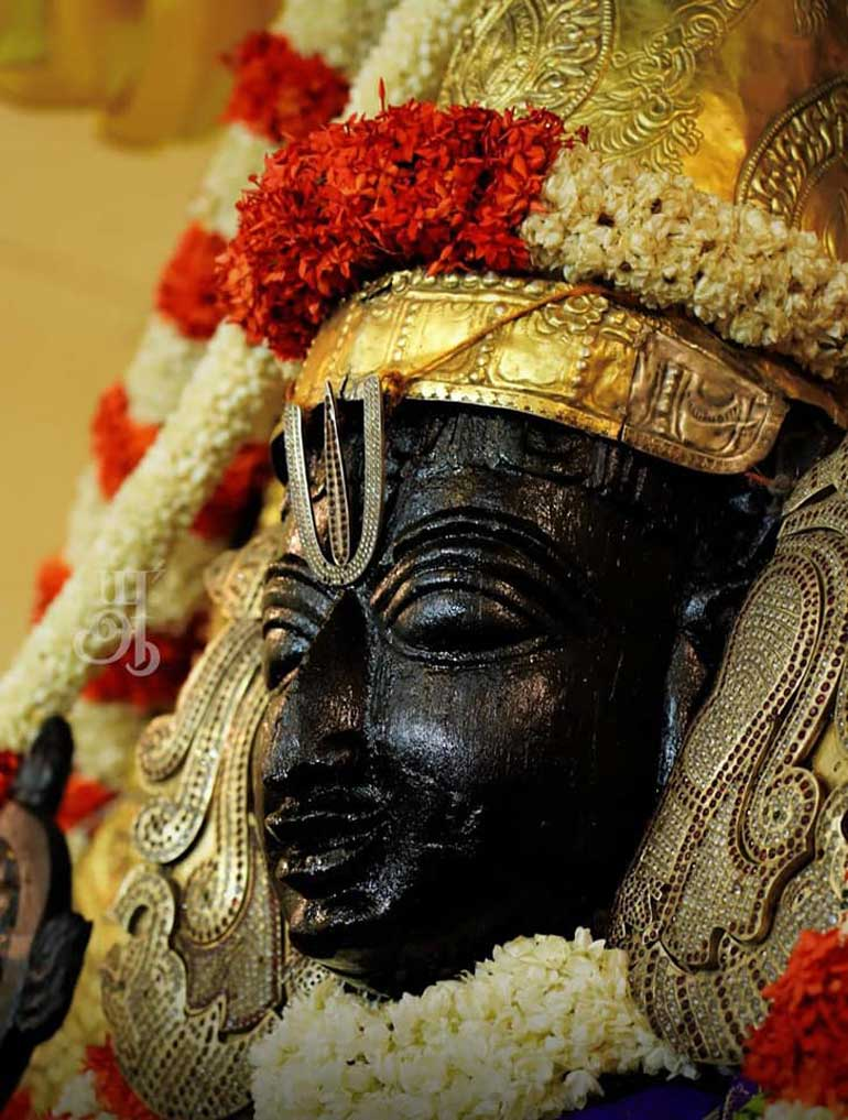 Athi Varadar Latest Photos in NINDRA KOLAM Brings Joy on Public Face