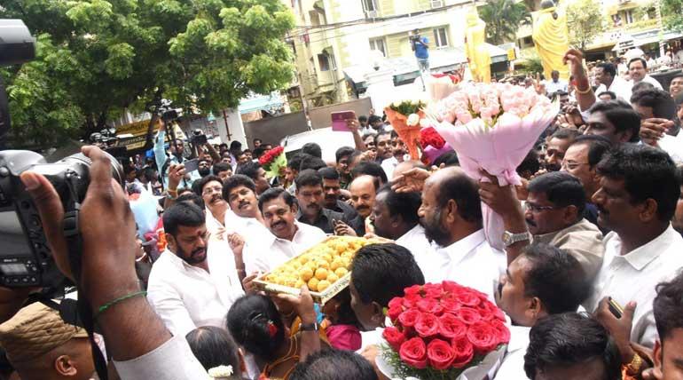 CM Edappadi Palaniswami Thanked Vikravandi and Naguneri Voters for Victory