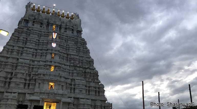 Athi Varadar Vaibhavam: Green Silk Attire Today