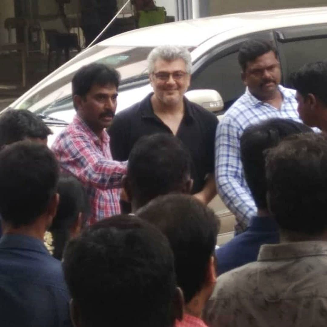 Thala Ajith Kumar First Selfie with his Fans Photo Gone Viral
