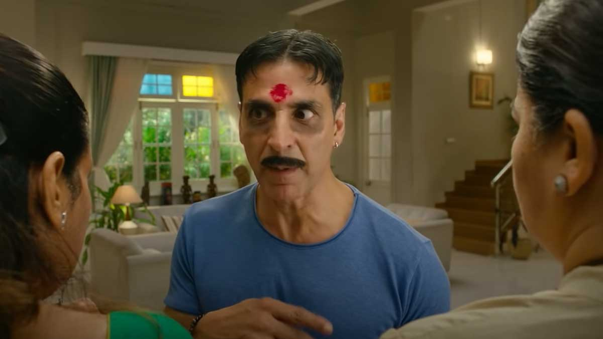 Laxmmi Bomb Review: Kanchana never gets applause in Bollywood