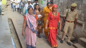 AAP Transgender Candidate Valmiki Bhawani Campaign in Prayagraj