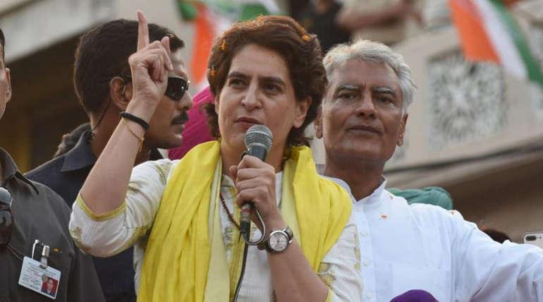 Modi is a Better Actor than Amithab Says Priyanka Gandhi