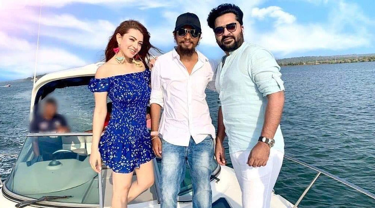 Simbu with Hansika at Maha Shooting Spot