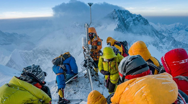 Highest operating weather stations installed on Everest. Photo Credit: nationalgeographic.com