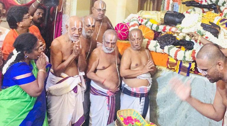 Dr Tamilisai Soundarrajan Worshipped Athi Varadar