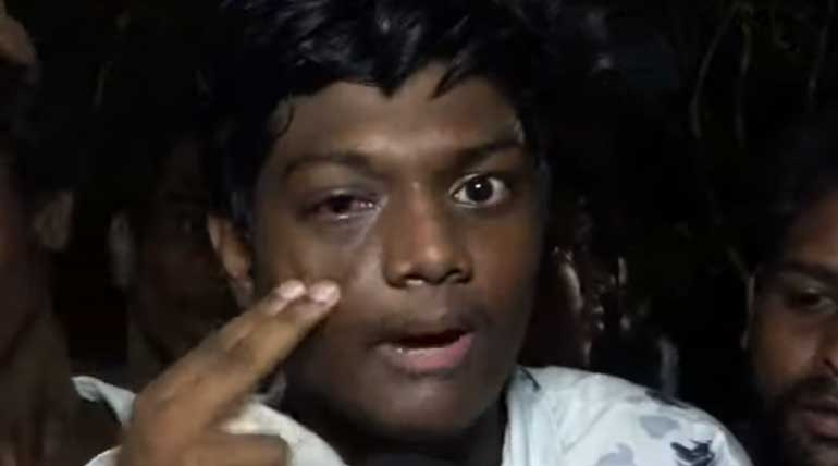Vijay fans beaten up by police in Bigil Audio Launch. Photo: TN360