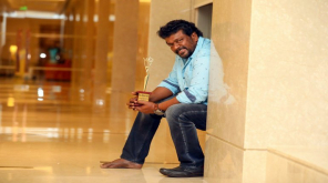 Parthiban Pleases People to Watch Oththa Seruppu