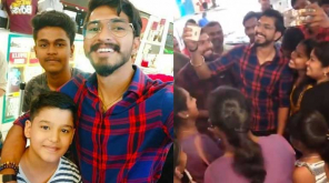Mugen Rao with Fans