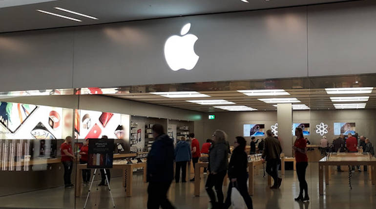 An Apple Store Employee - stole intimate photos from Customer iPhone
