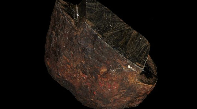 Wedderburn Meteorite. Image Courtesy- Museums Victoria