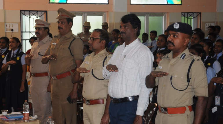Top Cops of Karur Taking Pledge along with the Public on the 31st Road Safety Week Program
