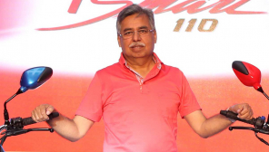 Hero Motocorp chairman Pawan Munjal pays advance salary to contract workers