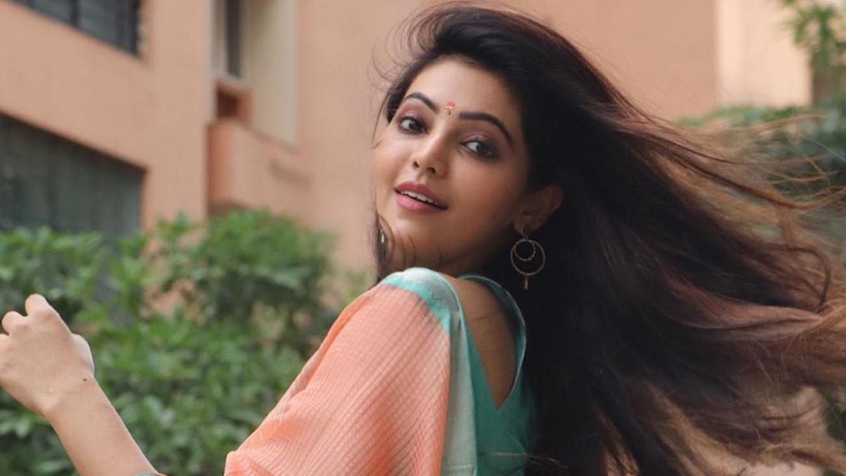 Bigg Boss 4 Tamil - Athulyaa Ravi