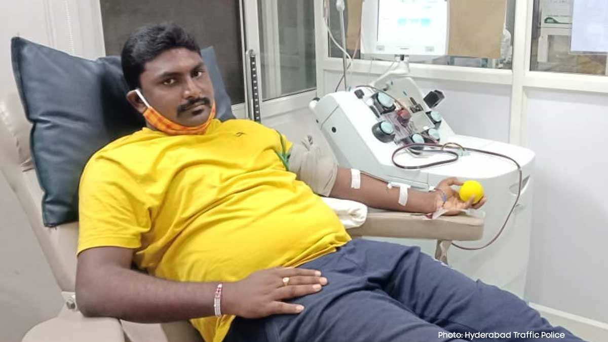 Corona Conqueror Sri. M Vinay Kumar, Officer of Tr. PS Panjagutta,  @insptr_pgt  donated Plasma to save the life of an Emergency Patient.  Photo: Hyderabad Traffic Police, India.