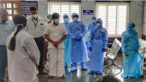 Health Minister C Vijayabaskar visiting Pudukottai mediacl college COVID ward