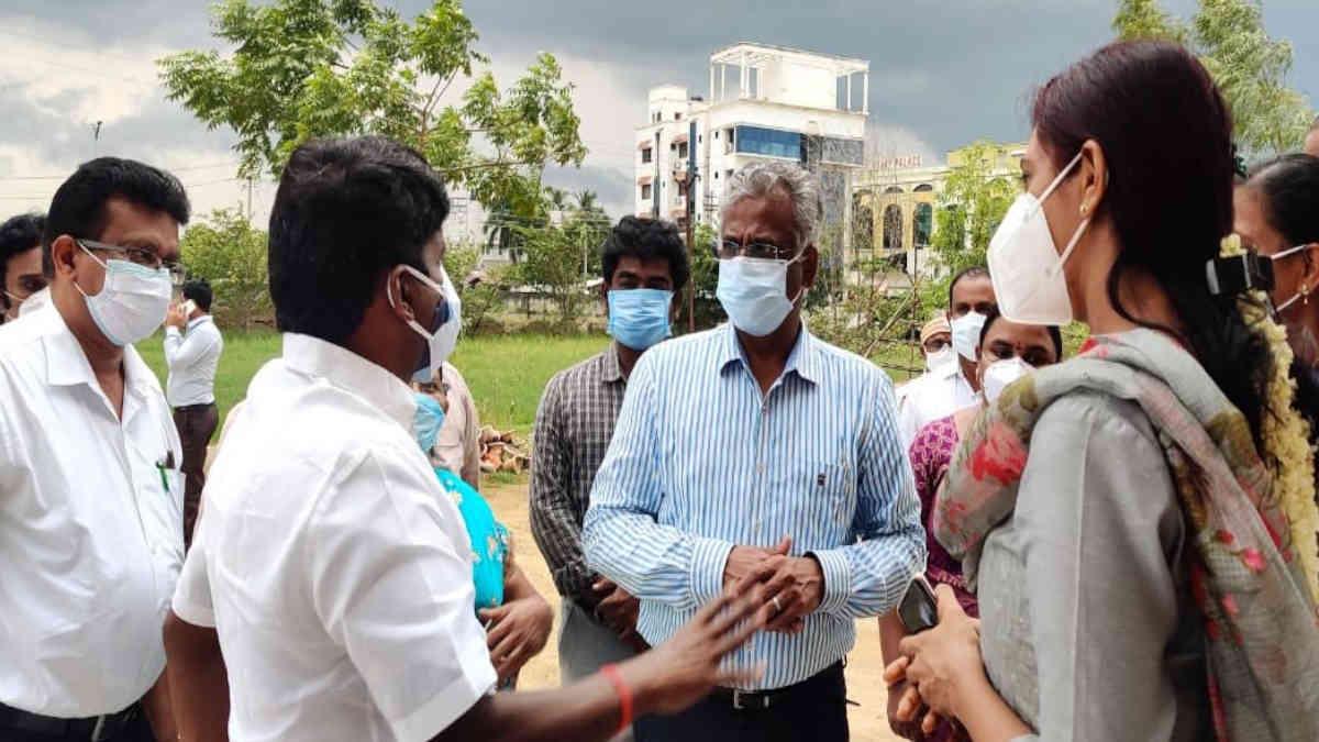 Health Minister C Vijayabaskar visiting the Siddha CCC at Pudukkottai with District Collector