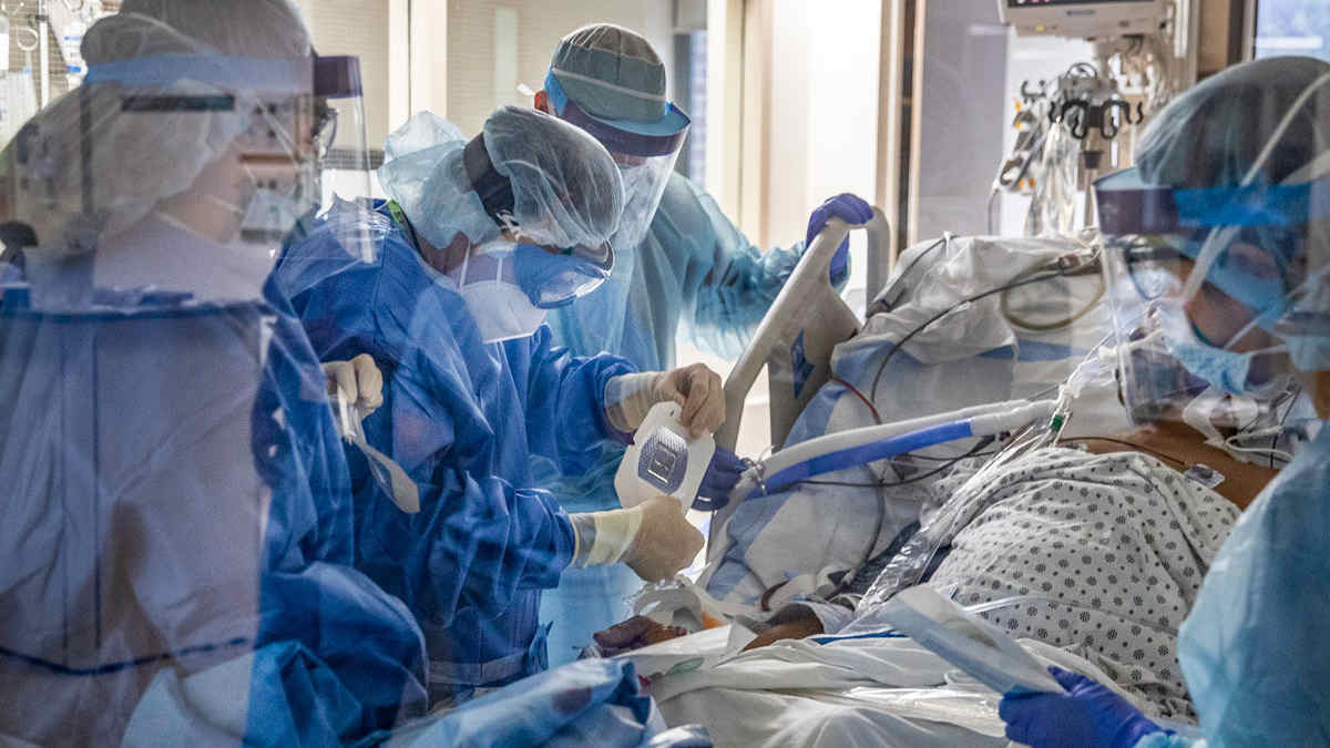 COVID-19 patients in intensive care unit, treating with antibiotics to fight COVID