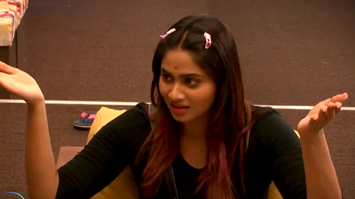Shivani being questioned by her co-housemates.