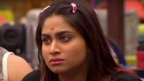 Shivani is being cornered by the other contestants.