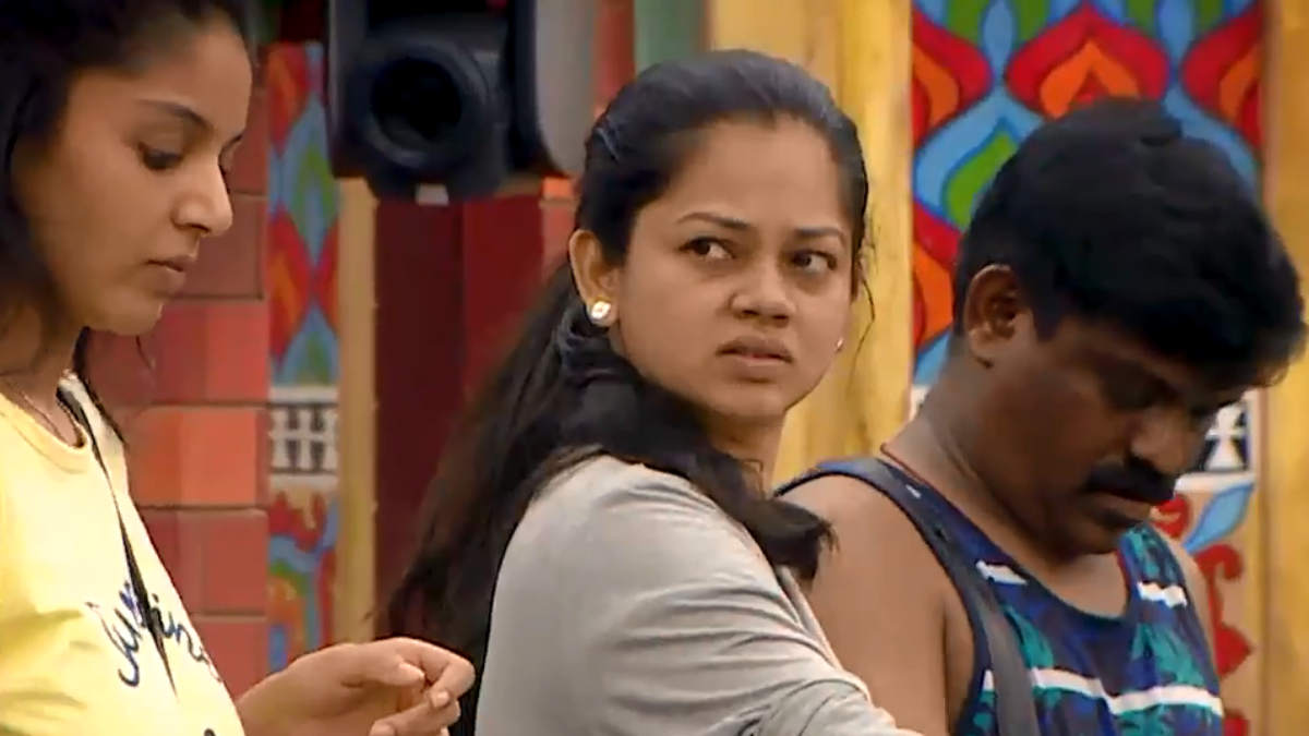 Anitha accuses Suresh for insulting her