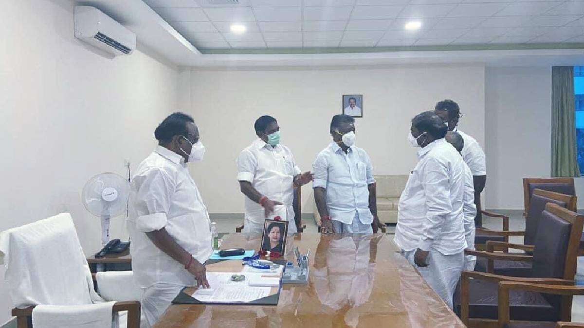 AIADMK allies with BJP and PMK