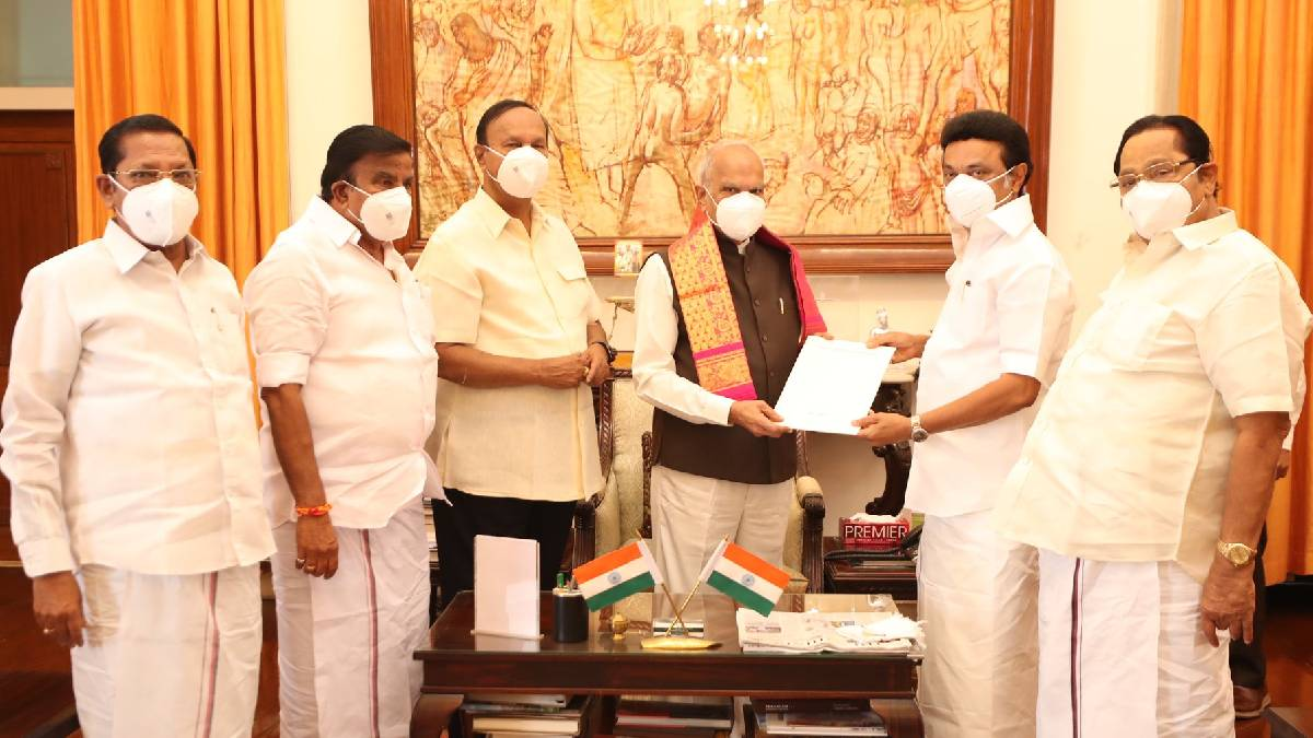 M.K. Stalin With Banwarilal Purohit Governor of Tamil Nadu
